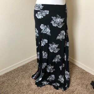 H&M Black Floral Maxi Skirt With Side Slit Small